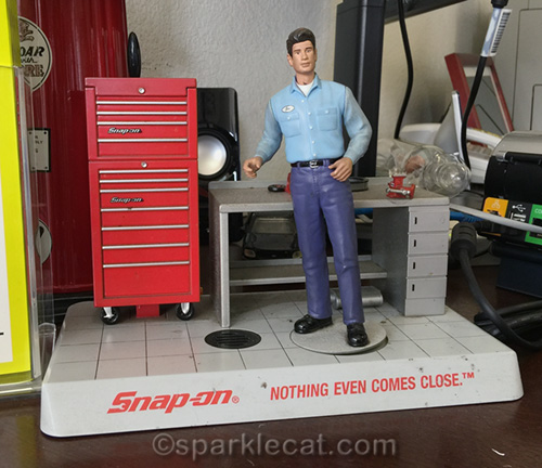 Snap-on tool figurine